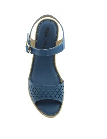 Skórzany sandał damski na koturnie