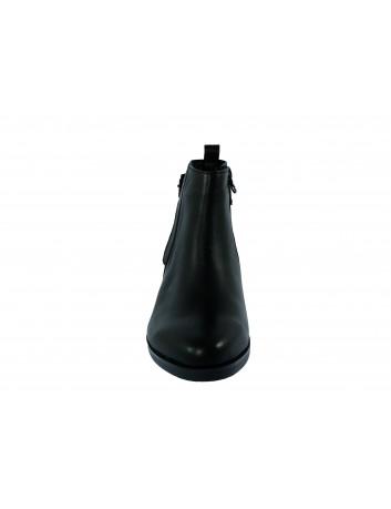 Skórzany botek damski z klamerką ALP, Kolor czarny