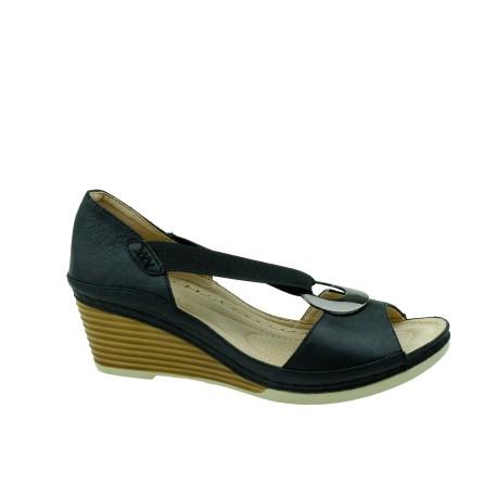 Komfortowy sandał damski na koturnie T.Sokolski, Kolor czarny