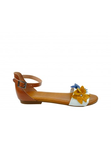 Skórzany sandał Porronet kwiaty,zakryta pieta,Kolor brąz z białym