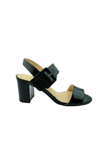 Skórzany sandał damski JUMA 2656,Kolor czarny