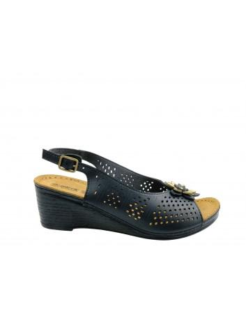 Skórzany sandał damski MUYA MU 417276N,Kolor czarny