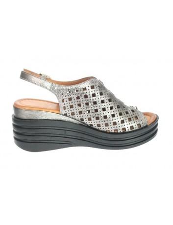 Sandały skórzane damskie-koturn LU G183-974,T.Sokolski,Kolor mosiądz