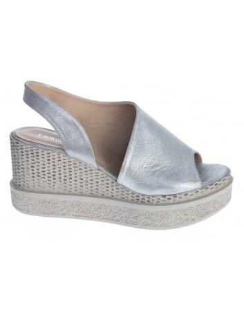 Sandały skórzane damskie LP 0427-501 T.Sokolski,Kolor srebrny